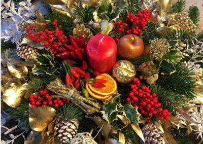 composizione decorazioni natalizie