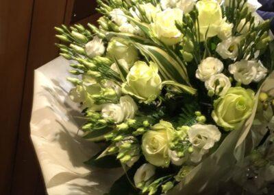 bouquet di rose bianche in vendita online
